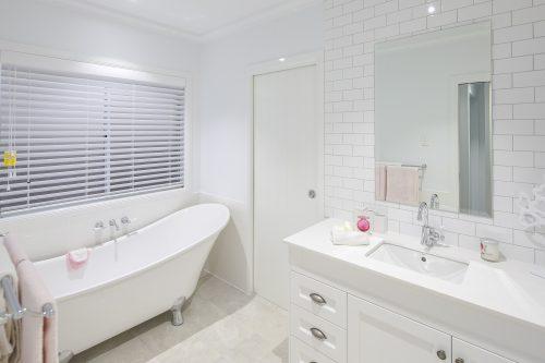 Washroom with tub